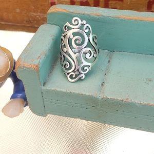 Vintage James Avery Silver Sorrento Ring